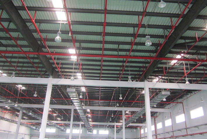 重庆市保税港区大型仓库安装LED工矿灯