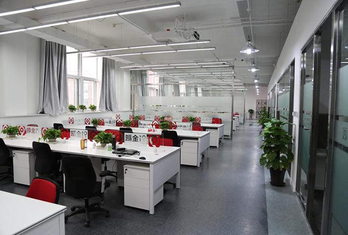 惠州异形灯厂家:LED线型灯具发展现状