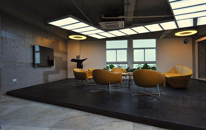 广州LED铝方通灯厂家:LED线型灯室内照明设计的技巧与艺术